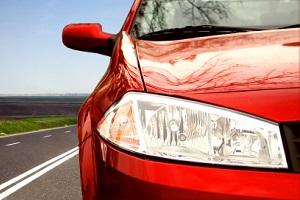 Sie möchten Ihr Auto teuer verkaufen? Eine intensive Lackpflege lohnt sich.