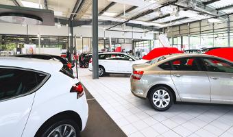 Beim Neuwagen kann die Finanzierung einen hohen Betrag verschlingen.
