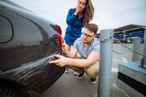 Ein Rücktritt vom Kaufvertrag beim Auto-Kauf ist möglich, wenn Sachmängel verschwiegen wurden.