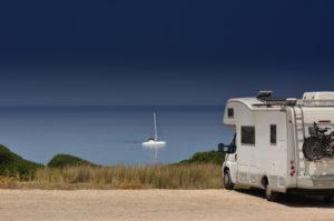 Ein Wohnmobil zu kaufen schafft Flexibilität im Urlaub.