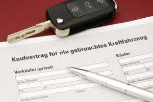 Um ein Wohnmobil zu kaufen, muss ein Kaufvertrag aufgesetzt werden.